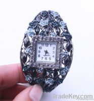 ladies bracelet with watch gold