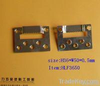 metal sawtooth hanger
