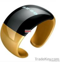 Bluetooth vibrating bracelet with caller ID and time