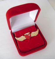 lapel pin, pin badge, button badge shaped angel wing