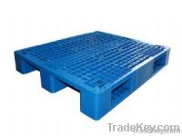 Single faced four ways entry plastic pallet
