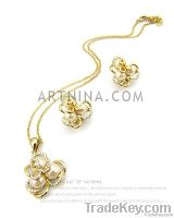 high quality 14k gold plated with white shiny venetian pearls flower b