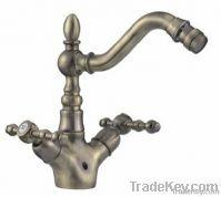 Dual handles bidet faucet
