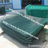 Bilateral wire fence for