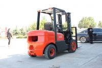 New Type Chinese Diesel Powered Forklift Truck