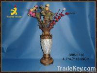 Antique flower polyresin vase