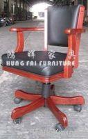 Hung fai solid wood swivel lift tilt game caster chair