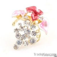 Red Elegant Flowery Brooch With Competitive Price 2013