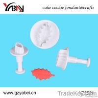 Christmas snowflake cake decorating fondant cookie plunger cutters