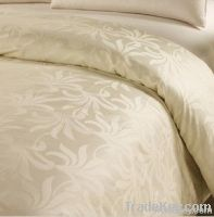 Silk filled duvet quilt