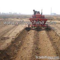 Trator potato planter