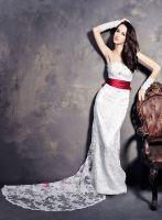 Sleeveless Applique Wedding Dress