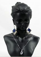 Necklace bust display