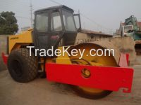 Used road roller CA25.