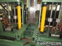 Finned plate radiator forming machine, radiator fin forming machine
