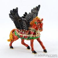2013 new design decorative vivid flying horse metal jewelry box