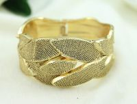 Hot Sale Alloy Bracelet in Europe and Americas Style for women