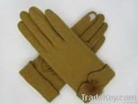 Ladies' touchscreen glove with sable ball