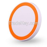 Qi wireless charger for smart phone