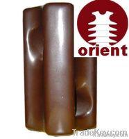 Ceramic stay insulator for overhead line