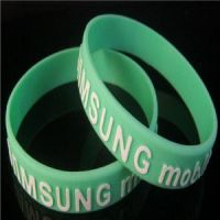 Fashion Embossed 2D or 3D Silicon Bracelets with Custom Design