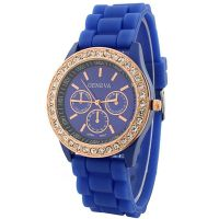 2014The new arrivall !!! Wholesale super durable fashion Geneva watch witn jewel