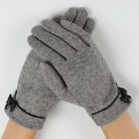 women fashionable woolen gloves with bowknot on cuff