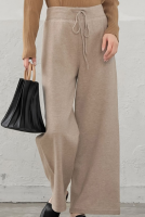 Lady's knitted pants