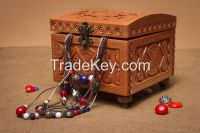 Jewelry round box with handmade carving.
