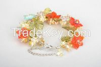 Floral bracelet made of glass
