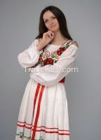 Linen clothing ensemble in ethnic style