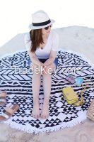 Round Beach Towel With Jacquard Design