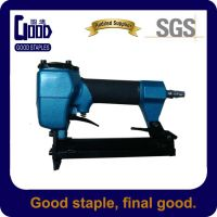 Pneumatic stapler gun for rattan furniture