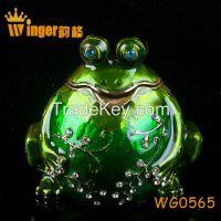 2015 Vintage Frog on Lotus