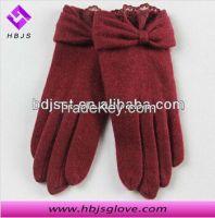 beautiful women woolen gloves wear in winter