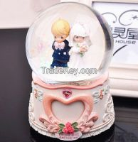 Crystal Snow Water Resin globe Ball