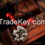 Chinese Traditional Necklace with Silver Flower Style