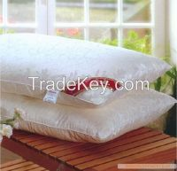 Silk pillow with cotton shell