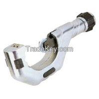 Roller type tube cutter
