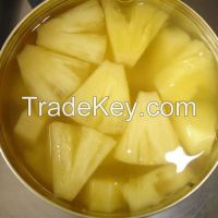 Canned Pineapple Pieces in Light Syrup